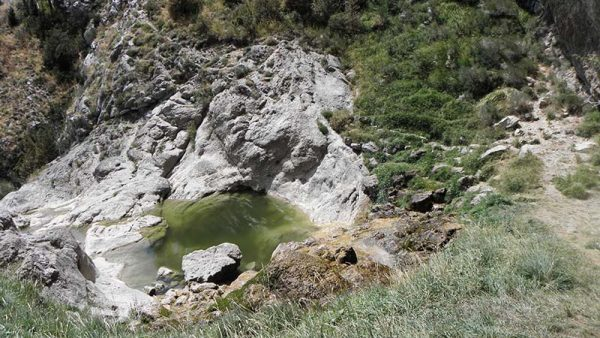 Piscine naturelle à la cascade de Clars
